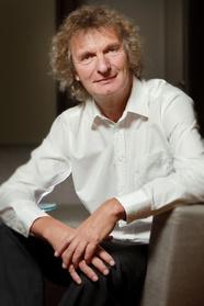 Dr. Michael Kölmel