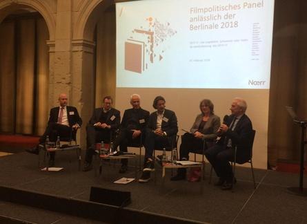 Über DFFF II & Co. diskutierten bei der Berlinale Hans Radau, Jan Ole Püschel, Charlie Woebcken, Christian Sommer, Tabea Rößner und Moderator Johannes Kreile (v.l.)