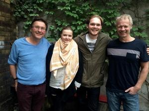 Trafen sich beim Songwritercamp (von links): Seth Hodder, Sina Wahnschaffe, Marc Johlen (Junior A&R Budde Music Publishing) und Kai Robøle