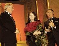 Laudator Pierre Brice und Gastgeber Ulrich Scheele ehren Weltstar Juliette Gréco