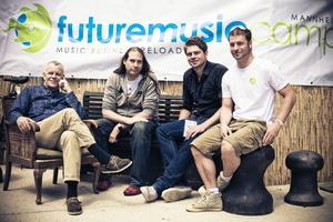 Begrüßten mehr als 300 Teilnehmer in Mannheim (v.l.n.r.): Popakademie-Geschäftsführer Prof. Hubert Wandjo, Dr. Alexander Endreß (Studiengangsmanager Musikbusiness), Ryan Rauscher und Daniel Schlender (beide Projektmanagement Future Music Camp)