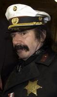 Kam 2004 kostümiert zur Verleihung des Wiener Verdienstabzeichens: Stefan Weber