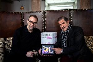 Bastelten mit ihren Entwicklerteam ein Jahr an Yellofier (von links): Konzeptgeber Håkan Lidbo und Boris Blank (Bild: Mathias Hielscher)