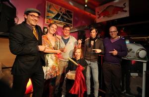 Bei der Preisverleihung in Hamburg (v.l.n.r.): Reinher Karl, Eva Kiltz, Jörg Heidemann, Gudrun Gut, Lars Potyka und Reimut van Bonn (Bild: Malte Ludwigs)