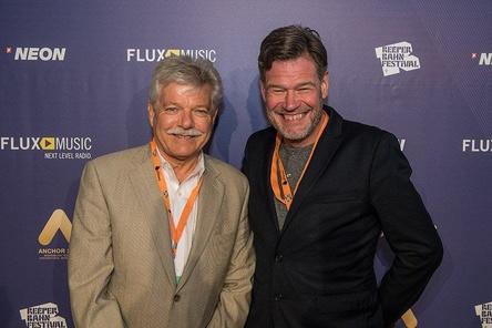 Beim Opening: Duncan McKie (FACTOR, Repräsentant des Partnerlandes Kanada) und Alexander Schulz (Managing Director Reeperbahn Festival) (Bild: Florian Trykowski)
