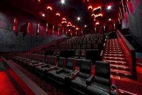 Derzeit sehen die Kinosäle so aus; doch bald werden sie sich wieder füllen (Bild: AMC)