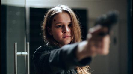 """Deutscher Thriller bei 24 Bilder: """"Luna"""" mit Lisa Vicari (Bild: Universum Film)"""