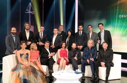 Die Gewinner des Deutschen Kamerapreises 2015 mit den beiden Moderatoren des Abends und Christoph Augenstein, Geschäftsführer Deutscher Kamerapreis (Bild: WDR/Klaus Görgen)