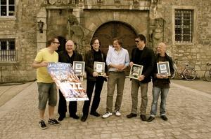 Freuten sich über den German Jazz Award (von links): Thomas Alkier, Reiner Winterschladen, Markus Wienstroer (alle Nighthawks) und, Labelchef Rüdiger Herzog (Herzog Records), Dal Martino, Jürgen Dahmen (beide Nighthawks) (Bild: Marie Starck)