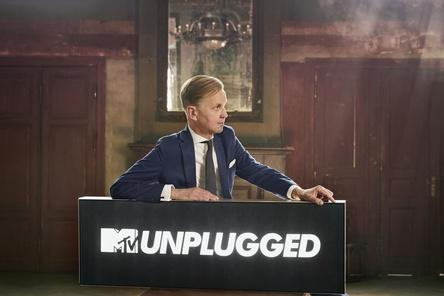 "Jetzt auch bei ""MTV Unplugged"" an Bord: Max Raabe (Bild: Gregor Hohenberg)"