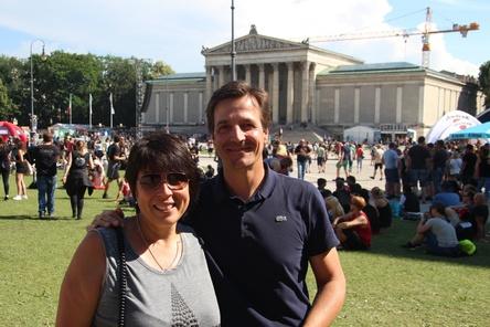 Können zufrieden sein mit der Rockavaria-Premiere auf dem Königsplatz: Andrea Blahetek (Global Concerts) und Christian Diekmann (DEAG) (Bild: MusikWoche)