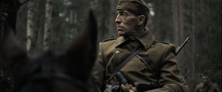 """Offizier Semetka geht in """"Natural Light"""" durch die Hölle (Bild: Berlinale)"""