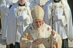 Papst Benedikt XVI. fordert mehr Sensibilität der Medienmacher ein (Bild: BR / Foto Sessner)