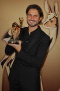 Simon Verhoeven freut sich über sein Rehkitz in der Kategorie Film National (Bild: Hubert Burda Media)