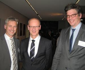 Sprach das Grußwort: Siegfried Kauder (M.) mit Guido Evers (l.) und Tilo Gerlach von der GVL (Bild: MusikWoche)