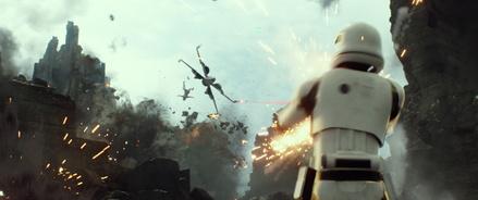 """""""Star Wars: Das Erwachen der Macht"""" hat gesamt die Acht-Mio.-Besucher-Hürde genommen (Bild: Walt Disney)"""