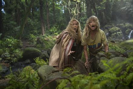 """Ulknudelalaram: Amy Schumer und Goldie Hawn in """"Mädelstrip"""" (Bild: Fox)"""