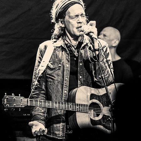 MusikWoche   News   Wolf Maahn tourt mit Midnight Oil