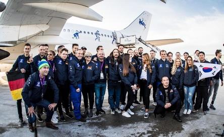 Vor dem Abflug auf dem Frankfurter Flughafen: Die Crew der Zero Gravity Mission (Bild: BigCityBeats)