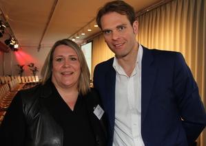 Warfen ein Schlaglicht auf die Musiknutzung in der Streaming-Ära: Bianca Corcoran-Schliemann (GfK) und Florian Drücke (BVMI) (Bild: MusikWoche)