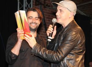 Wieder nominiert: Moderat, hier ohne Sascha Ring mit ihrem VIA bei der Preisverleihung für Modeselektor 2013 (Bild: MusikWoche)