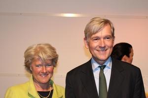 Will illegale Seiten finanziell austrocknen: Monika Grütters, hier mit dem GEMA-Vorstandsvorsitzenden Harald Heker (Bild: Jörn Geipel/MusikWoche)