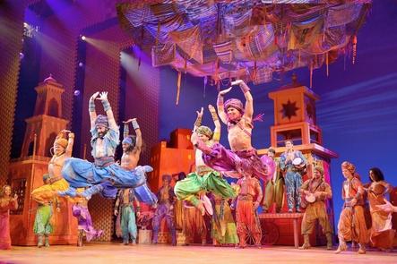"""Zieht 2019 von Hamburg nach Stuttgart um: das opulent inszenierte Musical """"Aladdin"""" (Bild: Stage Entertainment/Deen van Meer)"""