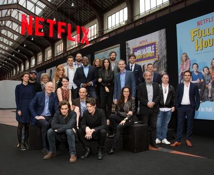 Gruppenbild mit Management: Netflix rief - und fast alle Stars kamen