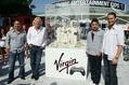 Posierten sich um die eine Mio. Dollar (v.l.): Virgin Gaming CEO Rob Segal, Sir Richard Branson, Virgin Gaming-President Billy Levy und VP Gaming Operations Zack Zeldin^^Berliner Photography^^