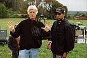 M. Night Shyamalan am Set mit Kameramann Roger Deakins