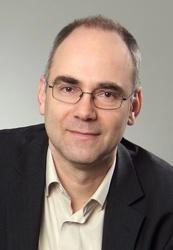 Jörg Weinrich ist Geschäftsführender Vorstand des Interessenverband des Video- und Medienfachhandels (IVD) und vertritt in dieser Funktion vor allem die Interessen von Videotheken. Zu seinen Arbeitsschwerpunkten zählen Themen wie Urheberrecht und Internetpiraterie.