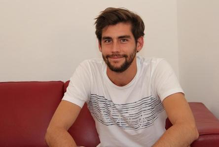 Alvaro Soler Spielt Wohnzimmerkonzert Fr Musically