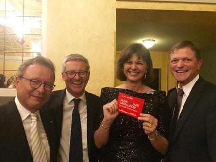 Die stellvertretende bayerische Ministerpräsidentin Ilse Aigner (2.v.r.) - hier bei den Musikfilmtagen Oberaudorf im vergangenen Jahr mit FFF-Geschäftsführer Klaus Schaefer, Festivalleiter Markus Aicher und Oberaudorfs Bürgermeister Hubert Wildgruber (v.l.n.r.) - wird auch die Jubiläumsausgabe in diesem Jahr eröffnen