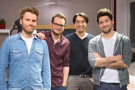 """Die Moderatoren (v.l.) Nils Bomhoff, Etienne Gardé, Daniel Budiman und Simon Krätschmer machen eine weitere Staffel """"Game Two"""""""