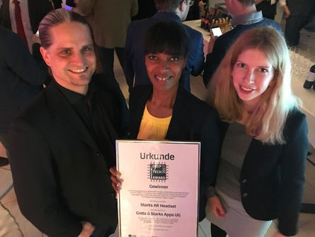 Das Team von Greta & Starks um Gründerin Seneit Debese feiert den Deep Tech Award
