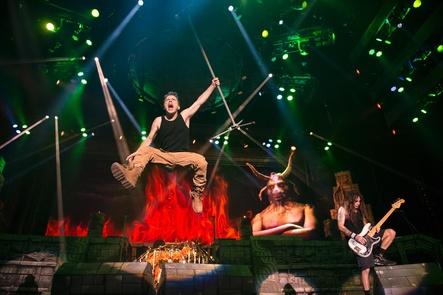 2017 in drei deutschen Arenen zu erleben: Iron Maiden live (Bild: Wizard Promotions)