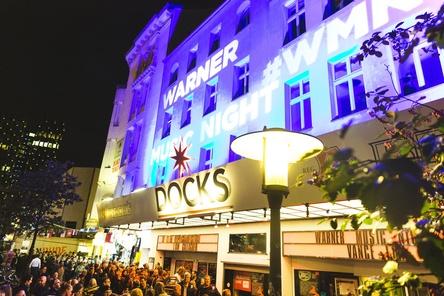 5000 Zuschauer kamen ins Docks zur zwölften Warner Music Night beim Reeperbahn Festival (Bild: Leila Ivarsson)