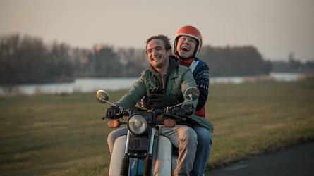 """Ab 9. November in den deutschen Kinos: """"Simpel"""" (Bild: Universum Film (DCM))"""
