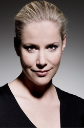 Anika Decker arbeitet ab Juli drei Jahre lang exklusiv für Constantin Film (Bild: obs/Constantin Film/Anne Wilk)