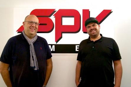 Arbeiten künftig zusammen: Andy Ludyk (SPV, links) und Kirsten A. Schuck (BeTrue) (Bild: SPV)