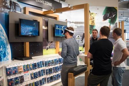 Auch das Games-relevante Sortiment wurde auf der Hama-Hausmesse gezeigt (Bild: Hama)