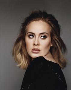 Auch in den Megacharts weiter die Primadonna: Adele (Bild: Alasdair McLellan)