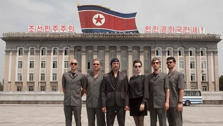 """Begleitet die Band Laibach bei dem Auftritt in Pjöngjang: Die Dokumentation """"Liberation Day"""" (Bild: Dogwoof)"""