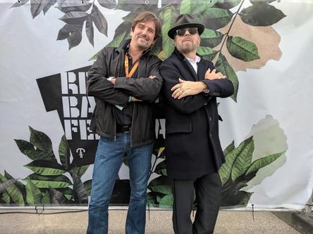 Begrüßten sich auf dem Reeperbahn Festival: Manlio Celotti (links) und Dave Stewart (Bild: Membran)