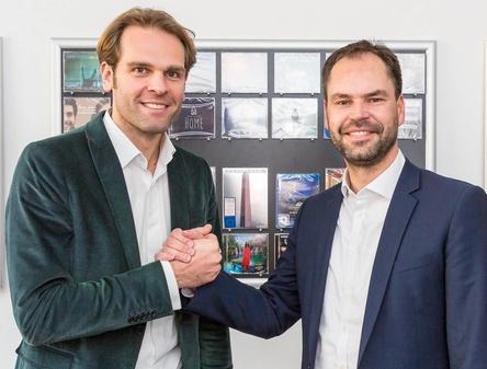 Betonen Alleinstellungsmerkmal und Aktualitätsanspruch der Offiziellen Deutschen Charts: Florian Drücke (links) und Mathias Giloth (Bild: SINISSEY)