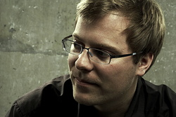Christoph Hochhäusler ist leitender Dozent Regie an der DFFB (Bild: NFP (Warner) / Holger Albrich)