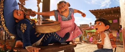 """""""Coco"""" hält sich überzeugend auf Platz eins (Bild: Walt Disney)"""