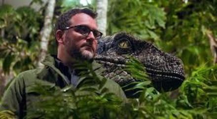Colin Trevorrow fühlt sich bei den Dinos wohler als im Sternenkrieg (Bild: Universal)