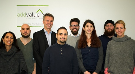 Das Team von Addvalue Consulting (von links): Antonella Simonetti (Sales Italy), Thomas Spindeldreher (Sales & Marketing), Geschaftsf�hrer Christoph Diekmann, Tayfun Sargin (IT & Systeme), Christopher Schlotmann (Sales & Marketing), Nora Petig (PR & Social Web), Tim Westermann (Projektmanagement) und Claudia Keller, Assistenz der Gesch�ftsleitung) (Bild: Addvalue Consulting)