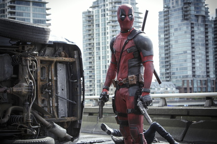 """""""Deadpool"""" rockt in Deutschland unverändert auf Platz eins (Bild: Fox)"""